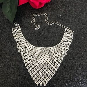 Jewelry - Gorgeous Sparkly Chocker Rhinestone Necklace
